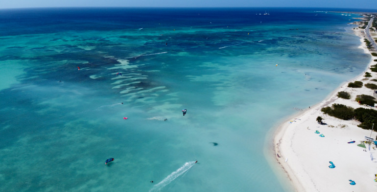 Why you should Kitesurf in Aruba! 10 reasons to make it worth a try